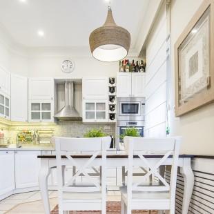 bela starinska kuhinja