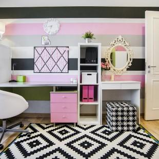 crno bela dečija soba sa pink detaljima