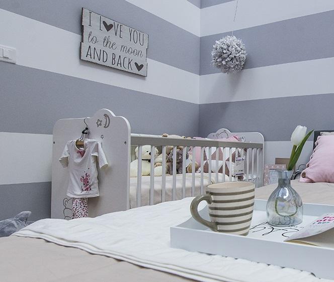 krevetac za bebu u spavaćoj sobi-1