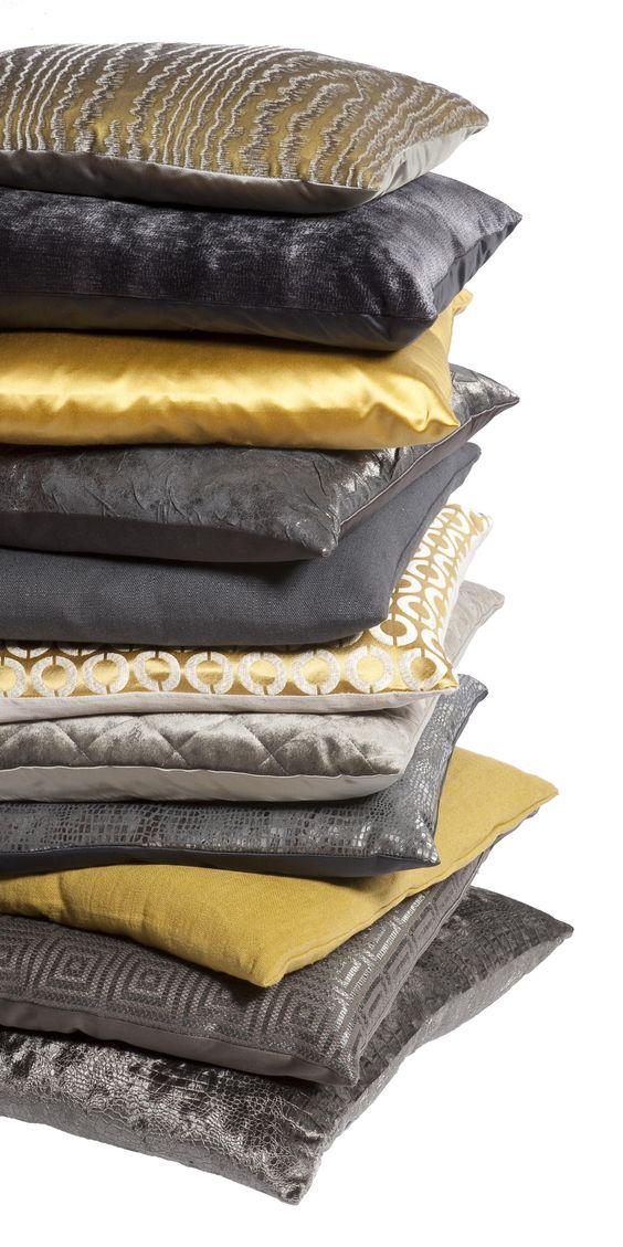 dekorativni-jastuci-u-senf-zutoj-boji