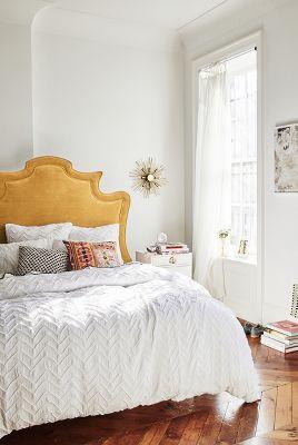 uzglavlje-kreveta-za-spavacu-sobu-u-senf-zutoj-boji