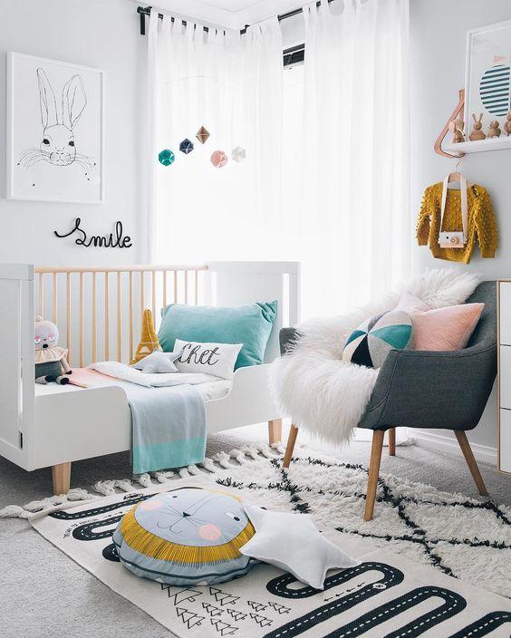 kutak za roditelje u sobi za bebu 1