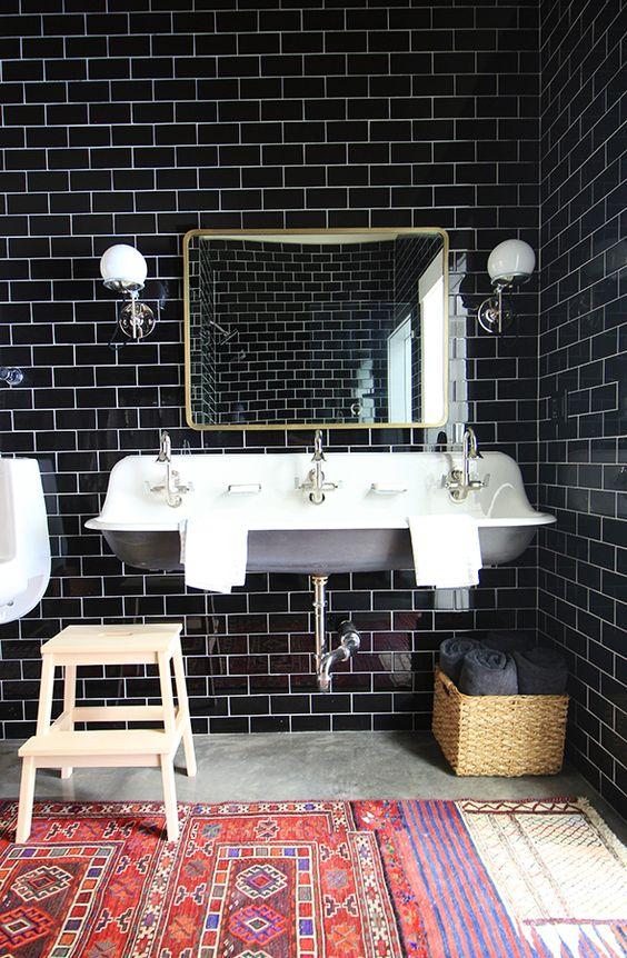 etno detalji u kupatilu