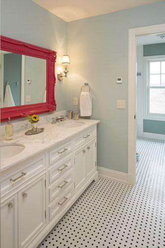 pink detalji u kupatilu