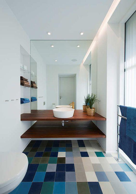 plavi detalji u kupatilu