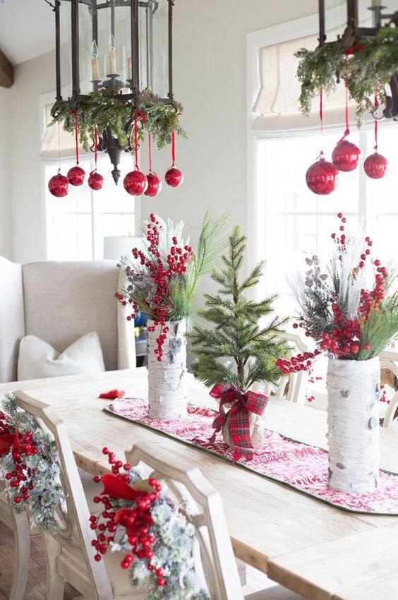 Crveno bela novogodisnja dekoracija 17
