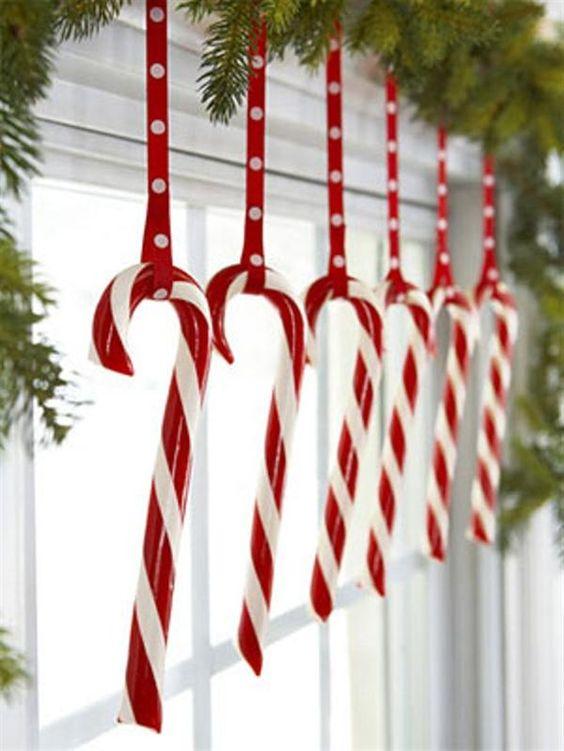 Crveno bela novogodisnja dekoracija 5