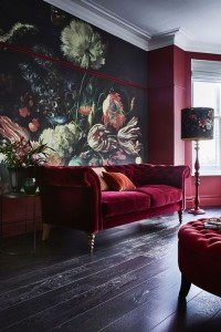 enterijer crveno crvena kruska sofa