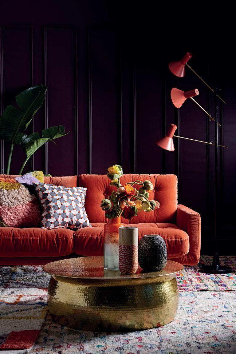 3 Koralno crvena sofa